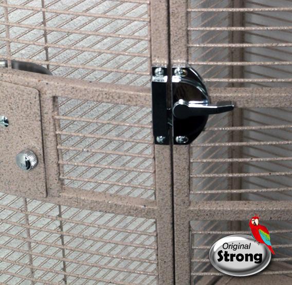 Papegaaienkooi Nadia XL zandkleur   Papegaaien kooi   deurslot