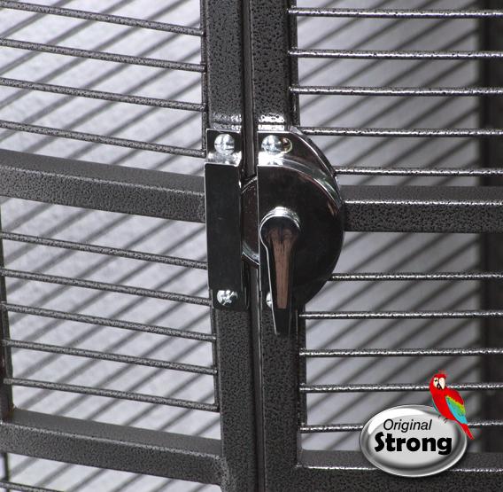 Papegaaienkooi Anna grijs deurslot