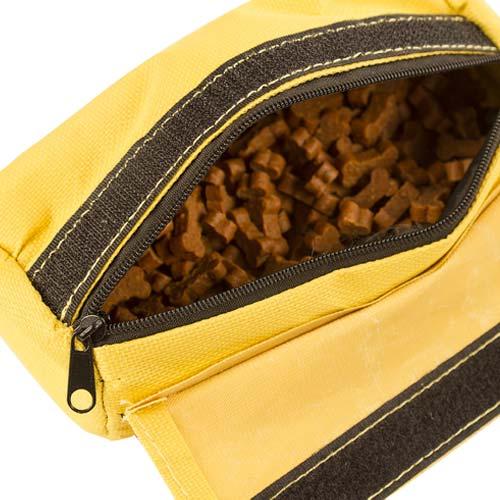 Snackdummy Geel - Sluiting met rits en extra klittenband